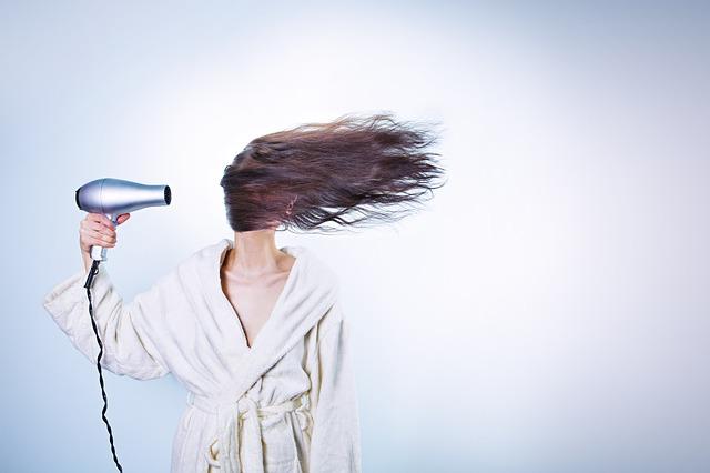 curare capelli sfibrati